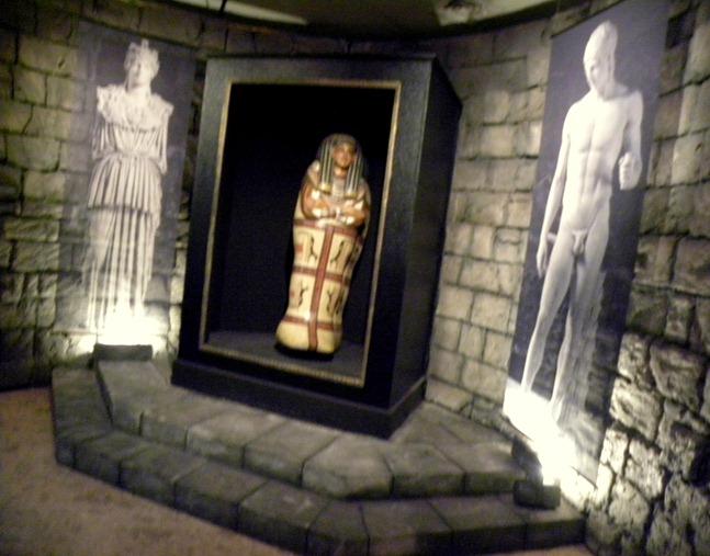 13法老棺與衛城雕